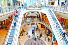 galleriafolket sälja i minut shopping Royaltyfria Bilder