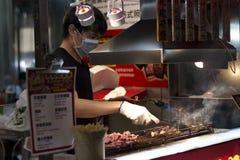 Gallernötkött i Taiwan nattmarknad Arkivfoto