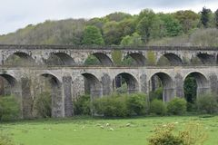 Galles, la valle di Ceiriog Chirk sul confine di Inghilterra-Galles Un sito dell'Unesco L'aquedotto ed il viadotto immagine stock