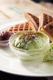 Galleta cocida con helado del matcha Imagen de archivo