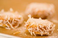 Galleta con milk caramelizada dulce de leche y coco, galletas Alfajores de Argentina Fotografía de archivo libre de regalías