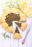 Galleta con queso e hierbas Fotos de archivo libres de regalías