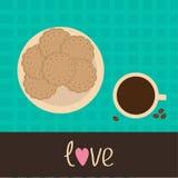 Galleta de la galleta de la galleta en la placa y la taza de café con el coffe Fotografía de archivo libre de regalías