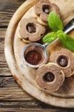Galleta dulce hecha en casa con el chocolate Fotografía de archivo