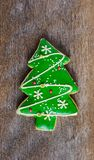 Galleta festiva de la Navidad y Año Nuevo en la forma de un Christma Imagenes de archivo