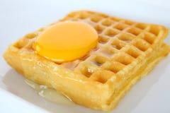 Galleta y huevo Fotos de archivo