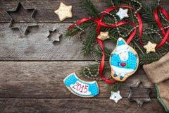 Galleta 2015 y pasteles de las ovejas del símbolo del Año Nuevo Fotografía de archivo libre de regalías