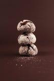 Galletas aisladas en marrón Imagen de archivo