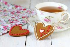 Galletas coloridas del corazón Fotografía de archivo libre de regalías