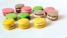Galletas coloridas dulces de los macarrones Imagen de archivo