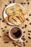 Galletas con la amapola y el café Imagen de archivo libre de regalías