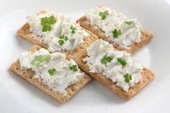Galletas con queso de las ovejas Imágenes de archivo libres de regalías
