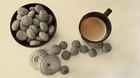 Galletas de almendra en un florero en las galletas de la tabla y una taza de café Fotos de archivo libres de regalías