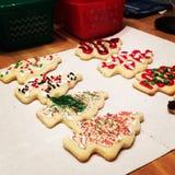 Galletas de azúcar del árbol de navidad Imágenes de archivo libres de regalías