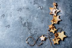 Galletas de azúcar de la forma de la estrella de la Navidad Fotografía de archivo