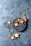 Galletas de azúcar de la forma de la estrella de la Navidad Fotografía de archivo libre de regalías