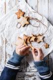 Galletas de azúcar de la forma de la estrella de la Navidad Foto de archivo libre de regalías