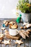 Galletas de azúcar de la forma de la estrella de la Navidad Imagen de archivo libre de regalías