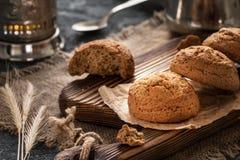 Galletas de harina de avena primer, desayuno de la mañana, aún vida Fotografía de archivo libre de regalías
