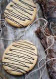 Galletas de la avena con el chocolate Imagen de archivo libre de regalías