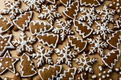 Galletas de la Navidad con la formación de hielo fotografía de archivo
