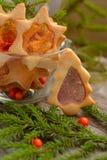 Galletas de la Navidad con las ventanas del caramelo Fotografía de archivo libre de regalías