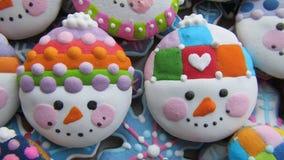Galletas de la Navidad, muñeco de nieve formado Imagen de archivo