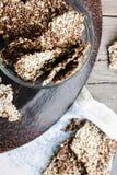Galletas de la semilla de lino, del sésamo, del girasol y de las especias, visión superior Fotografía de archivo libre de regalías