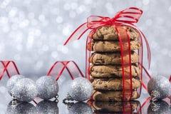 Galletas de microprocesador de chocolate hechas en casa de la Navidad foto de archivo libre de regalías