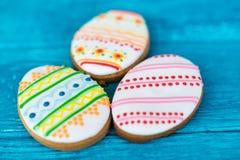 Galletas de Pascua, tres pequeñas galletas Foto de archivo