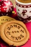 Galletas del café y del pan de jengibre, decoración de la Navidad Imagen de archivo libre de regalías