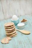 Galletas del confeti con el huevo y los azúcares imagen de archivo libre de regalías