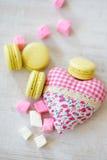 Galletas del día de la tarjeta del día de San Valentín s Fotos de archivo