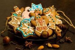 Galletas del jengibre de la Navidad Fotografía de archivo libre de regalías