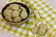 Galletas del limón en cuenco Foto de archivo libre de regalías