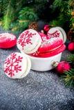 Galletas del macaron de la Navidad fotografía de archivo libre de regalías