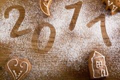 Galletas del pan de jengibre con 2017 Fotografía de archivo libre de regalías