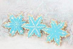 Galletas del pan de jengibre del copo de nieve Imagen de archivo