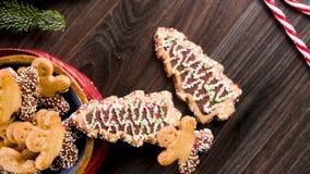 Galletas del pan de jengibre de la Navidad almacen de video