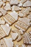 Galletas del pan del jengibre de la Navidad Imágenes de archivo libres de regalías