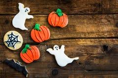 Galletas deliciosas hechas en casa del pan de jengibre para Halloween Imágenes de archivo libres de regalías
