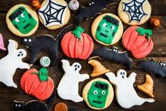 Galletas deliciosas hechas en casa del pan de jengibre para Halloween Imagen de archivo libre de regalías