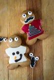 Galletas divertidas del pan de jengibre del día de fiesta Imagen de archivo