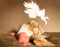 Galletas en el día de la tarjeta del día de San Valentín Fotografía de archivo libre de regalías