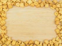 Galletas en fondo de madera Foto de archivo