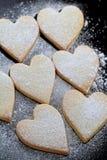 Galletas en forma de corazón Fotos de archivo libres de regalías
