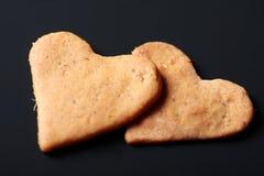 Galletas en forma de corazón de la tarjeta del día de San Valentín del St. Fotos de archivo