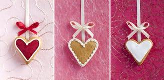 Galletas en forma de corazón del jengibre para el día de tarjeta del día de San Valentín. Foto de archivo libre de regalías