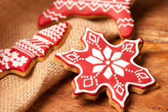 Galletas hechas en casa del pan de jengibre de la Navidad Imagen de archivo libre de regalías