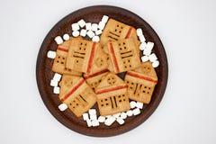 Galletas maravillosas y deliciosas con la mermelada bajo la forma de casa de un piso fotografía de archivo libre de regalías
